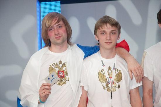 ArtSyle (derecha) junto a NS durante la era DTS